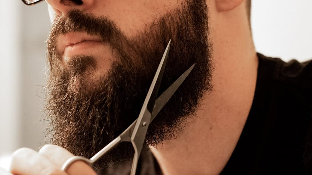 How To Trim A Long Beard At Home