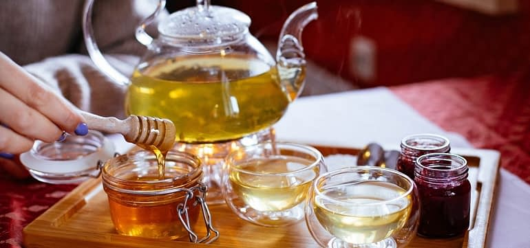 7 Benefits of Green Tea and Honey – Recipes & Tips